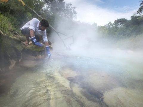 Sungai_mendidih_Peru